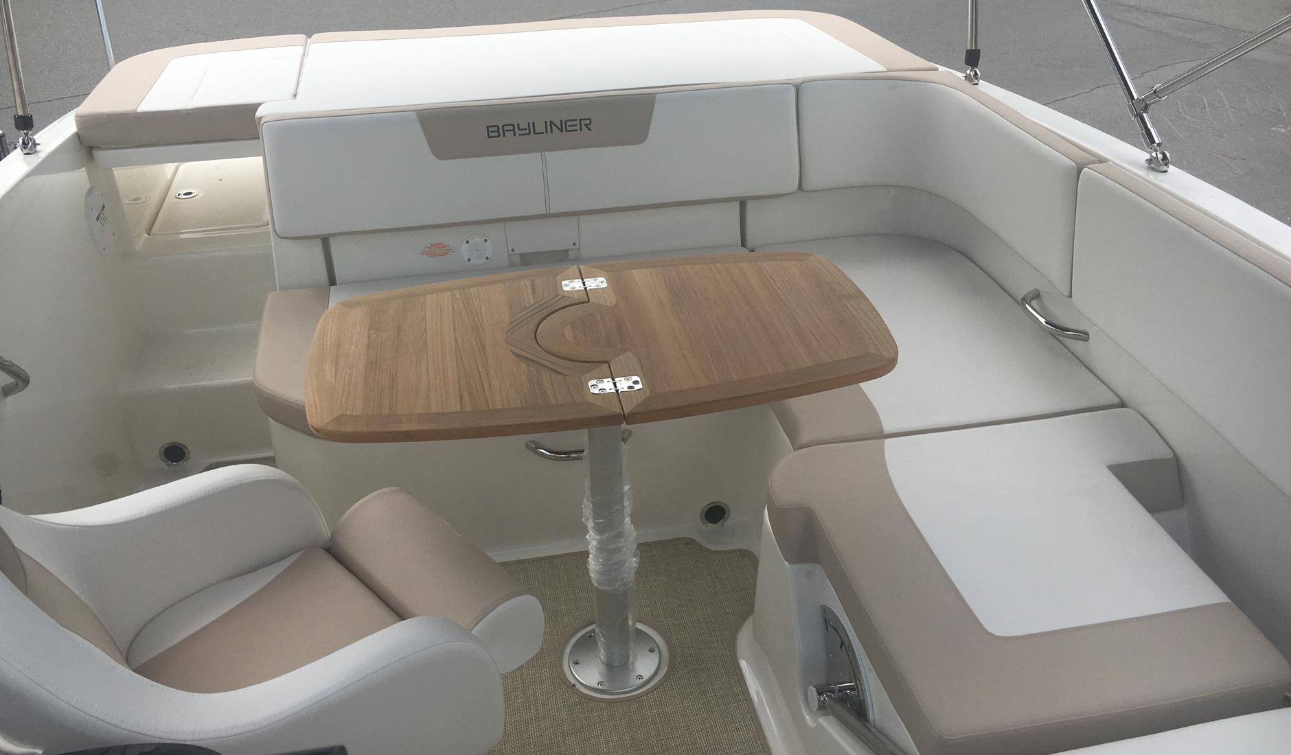 Bayliner VR5 Bowrider Фото № 10