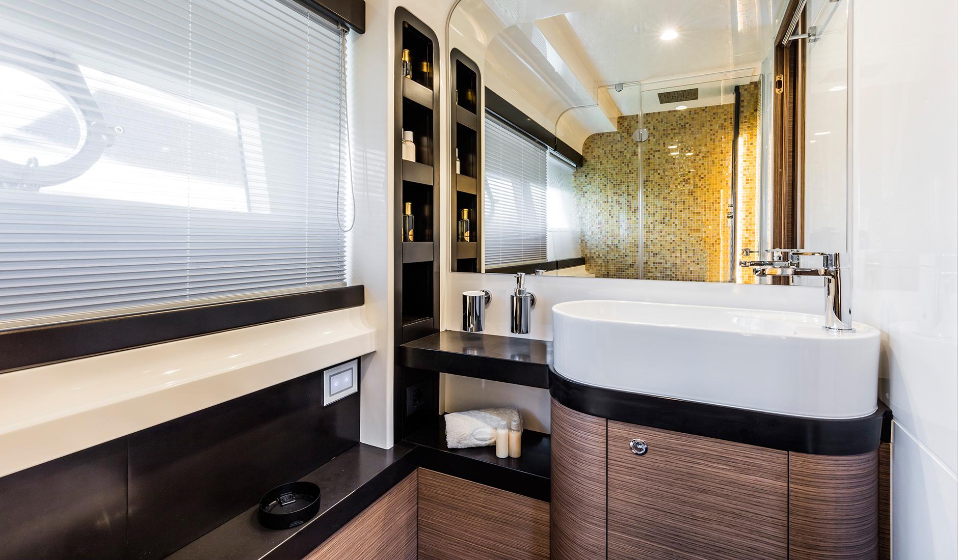Ferretti Yachts 550 Фото № 6