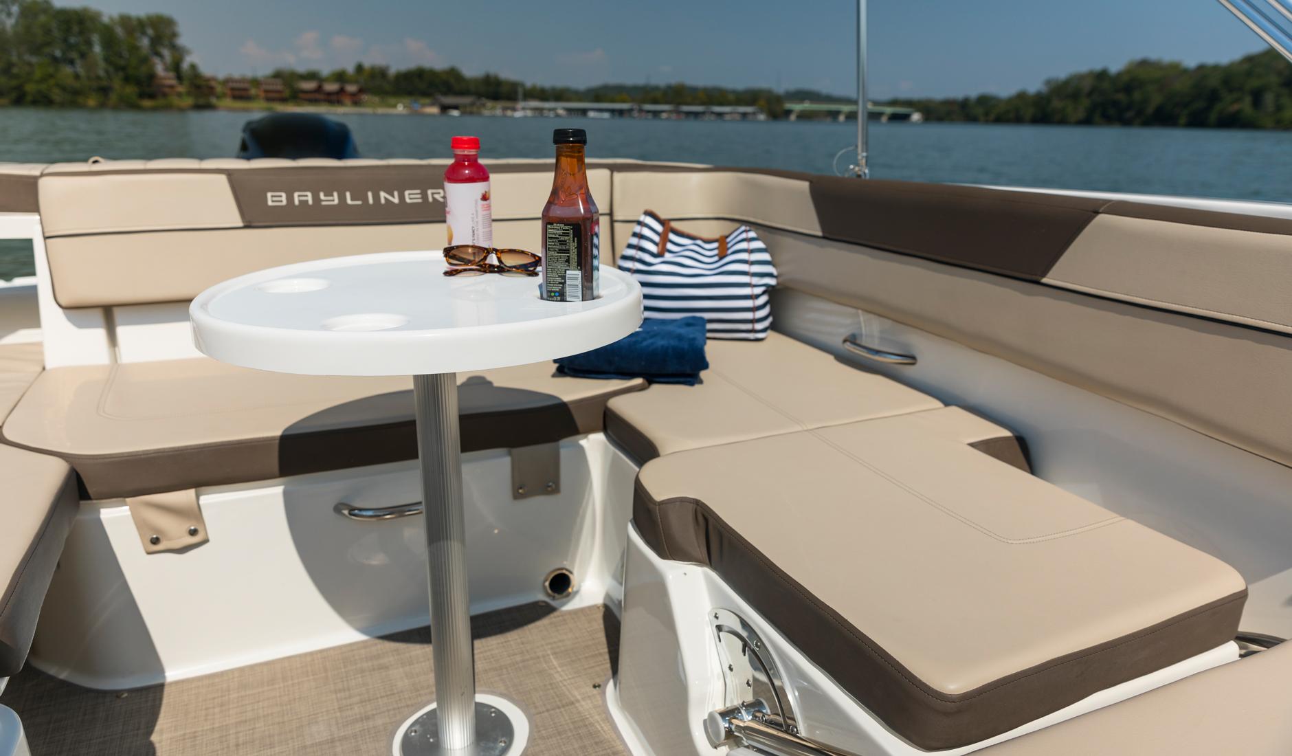 Bayliner VR5 Outboard Фото № 5