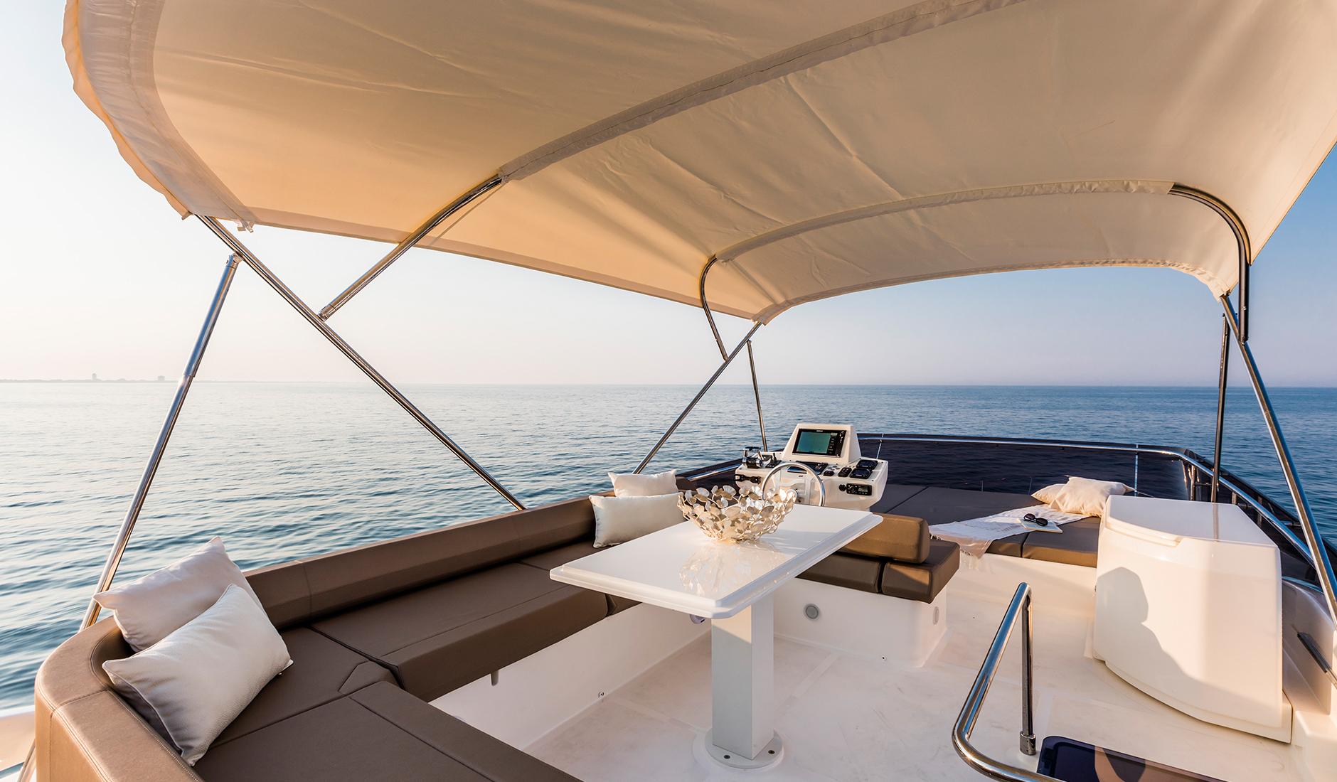 Ferretti Yachts 550 Фото № 3